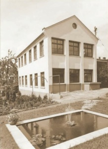 Burgvogel in Solingen - Karl Bahns (WaldstadtBBQ)