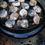 Pulled Pork aus dem Dutch Oven (Kohlemanufaktur)