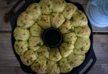 herzhafte Buchteln mit Pesto - perfekter Snack