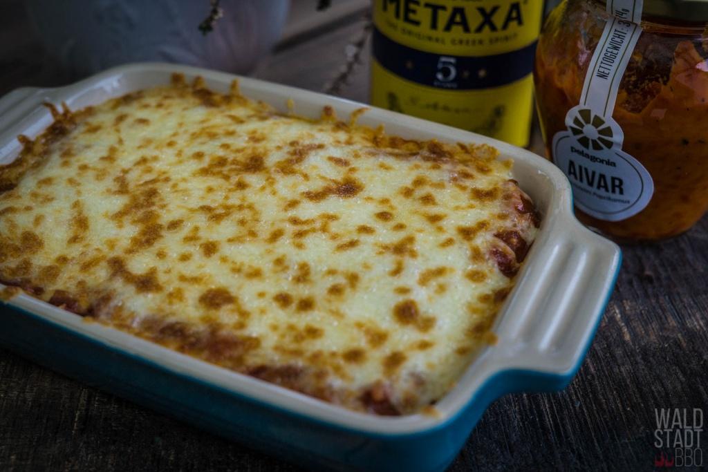Gyros mit Metaca-Sauce und Käse überbacken aus dem Beefer