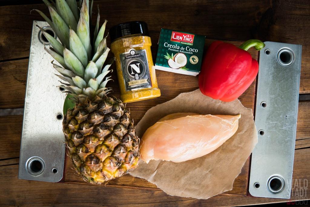 Zutaten für gefüllte Ananas mit Kikok-Hähnchen