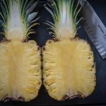 geteilte Ananas