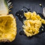 ausgehöhlte Ananas
