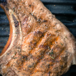 Smoke Aged Lipstye Strip Loin Bone-In von Eatventure | WaldstadtBBQ