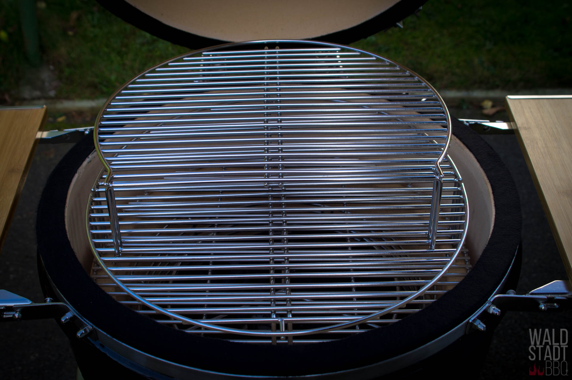 Enders Gasgrill Werksverkauf : Monolith classic grill in der bbq guru edition