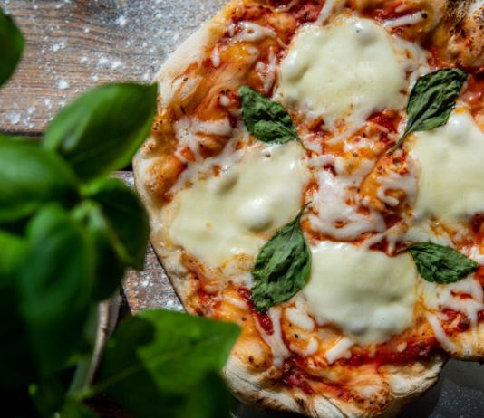 Pizza vom Gasgrill - das Grundrezept