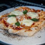 Pizza vom Gasgrill - ein Grundrezept