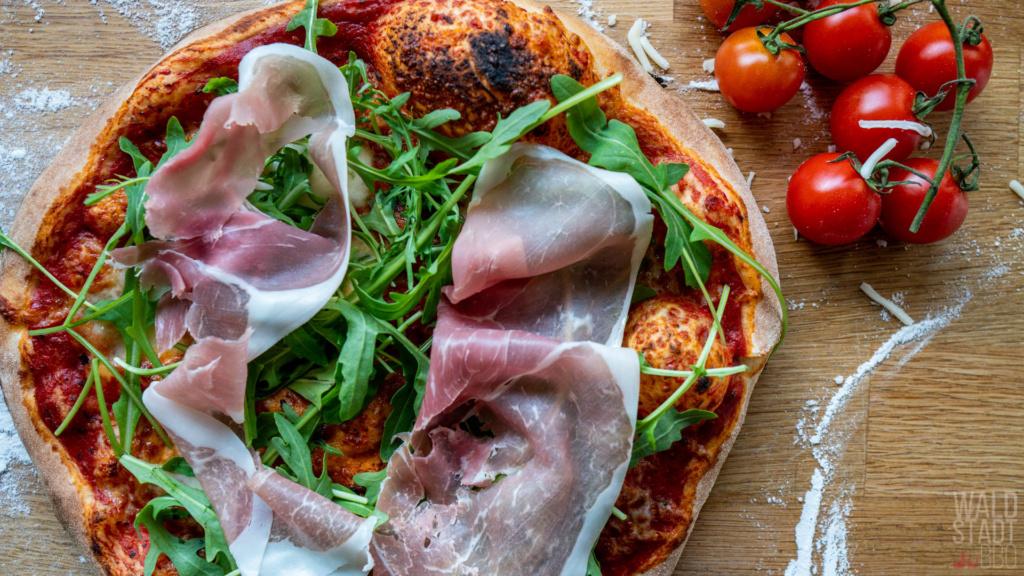 Pizza Prosciutto Crudo Rucola - Rohschinken in feinster Form